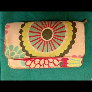 Thirty-one retro floral fun clutch wallet